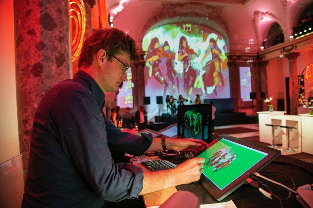 Bertrand de Miollis réalise des performances artistiques en live.